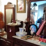 Salt Creek Antiques and Gift Shop